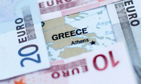 Половината гърци под прага на бедност – под €382 на месец