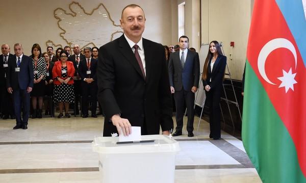 С 86%: Алиев печели четвърти мандат в Азербайджан