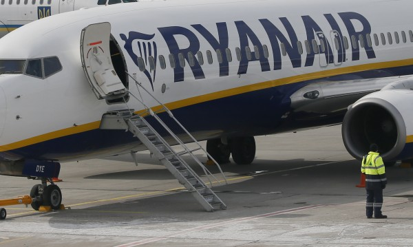 Ryanair спира вътрешните полети в Гърция