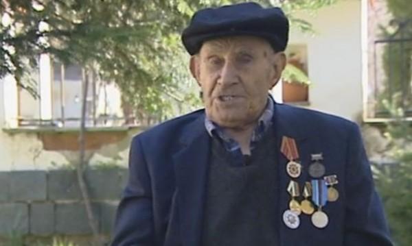 С наслада към живота: С луканка и музика до 105 години