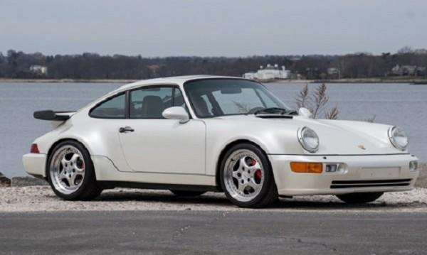 След 24 години в гаража: Продават уникално Porsche