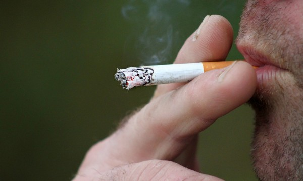 Мине се не мине време и пак да се пуши... из кръчми и барове