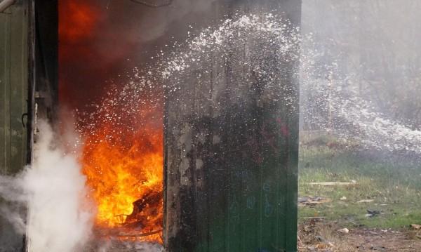 Две деца загинаха при пожар във фургон в Пловдивско