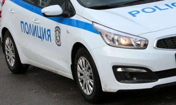 Петима задържани в Поморие, измъчвали ученик