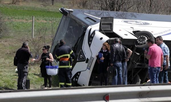 """Шофьорката, ударила автобуса на """"Тракия"""" - с отнемана книжка"""