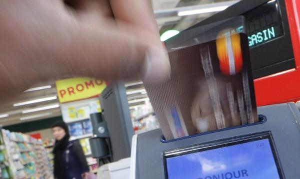 Арестуваха българин в Италия, клонирал кредити карти