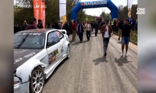 На рали в Шумен: Състезателен автомобил се вряза в публиката
