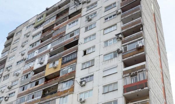 Жена се хвърли от 7-ия етаж в Бургас