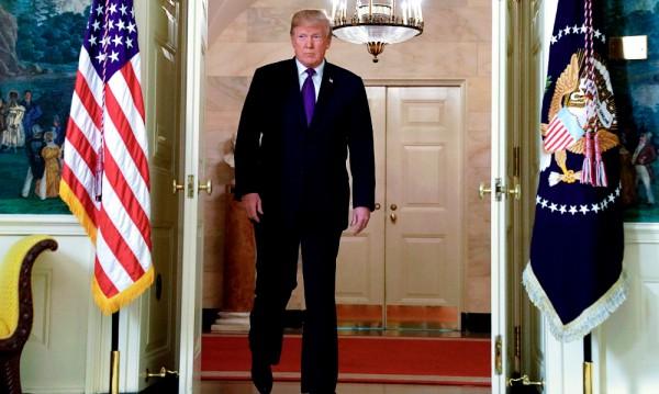 Хаос, консултации: Как Тръмп реши да удари Сирия?