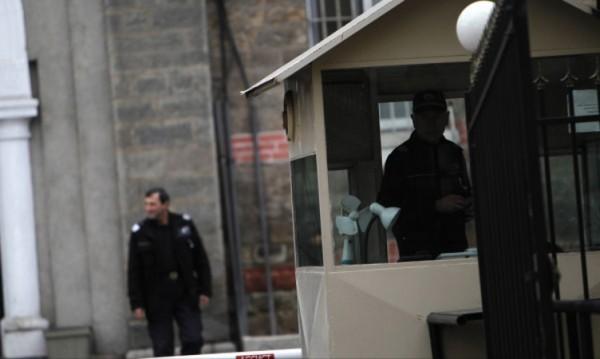 Доклад сочи: Возят арестантите с трошки!