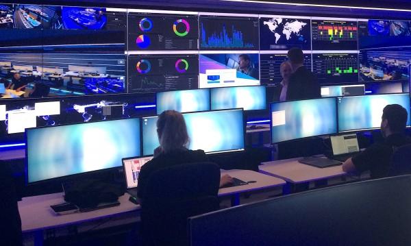 Тревога от Острова и САЩ: Злонамерена руска кибератака