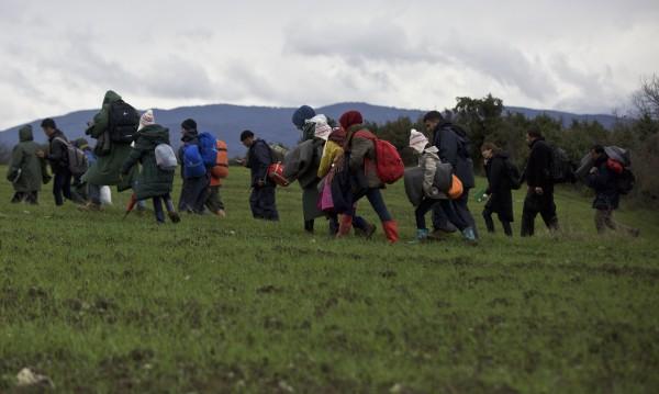 Петима превеждали мигранти през границата с Турция