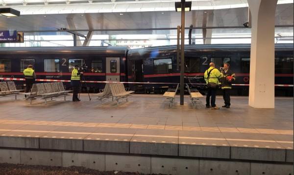 Два влака се сблъскаха в Залцбург, 40 души пострадаха
