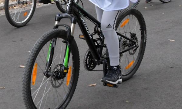 Законът задължава колоездачите: Пеш на пешеходна пътека
