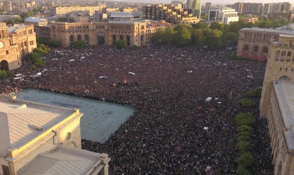 Кошмарът за Русия: Събитията при съюзника Армения