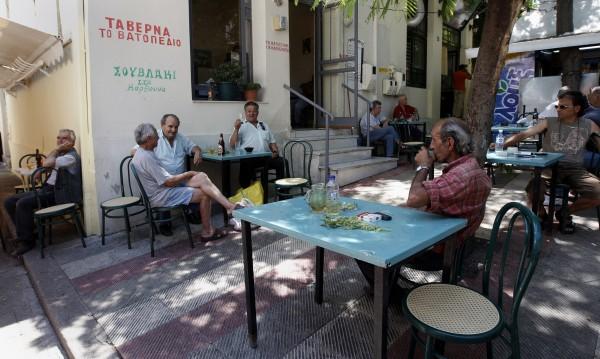 Гръцки вестник: Картината у нас по-отчайваща от България