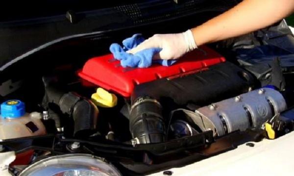 Чист или мръсен? Да мием ли двигателя на автомобила си?