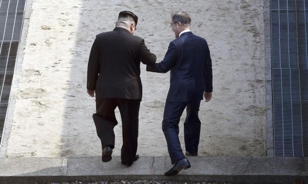 Покана: Ким да посети Сеул по всяко време
