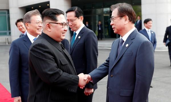 Двете Кореи уеднаквяват времето, папата ще се моли за тях