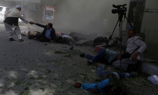 Двоен самоубийствен атентат в Кабул – загинали и ранени
