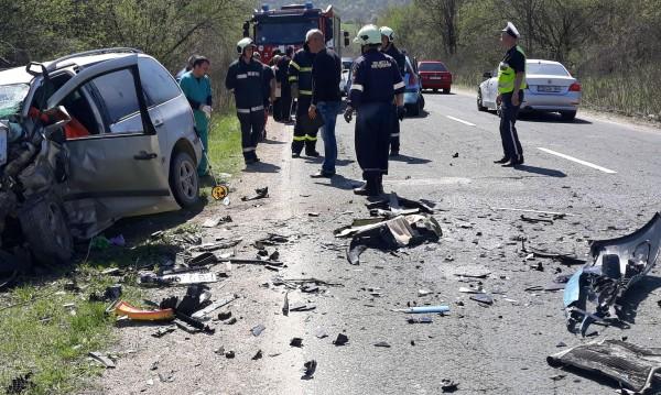 Тежко ПТП до Айтос – загина шофьор, жена е ранена