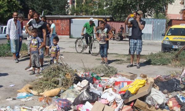 73% от ромите ни – неграмотни, осем от десет тънат в мизерия!