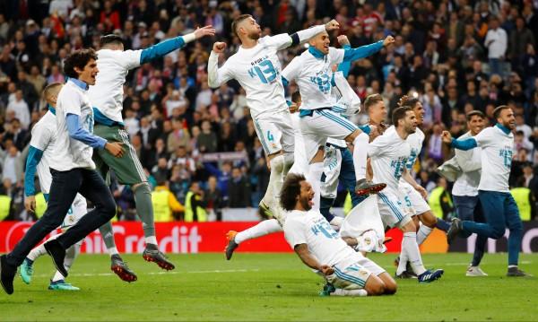 """Байерн надигра Реал, но """"белият балет"""" отива на финал"""