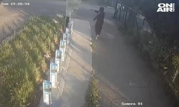 Белезници за мъжа, стрелял по велостоянка в Бургас