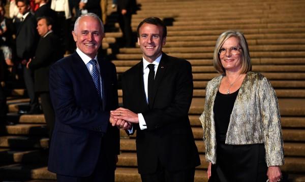 """Жената на австралийския премиер – """"много вкусна"""" за Макрон"""