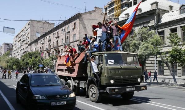 Външно съветва: Не ходете в Армения, опасно е!