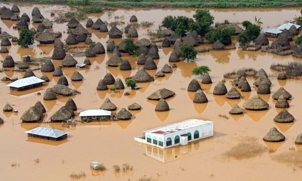 Воден апокалипсис! 100 жертви на порои в Кения
