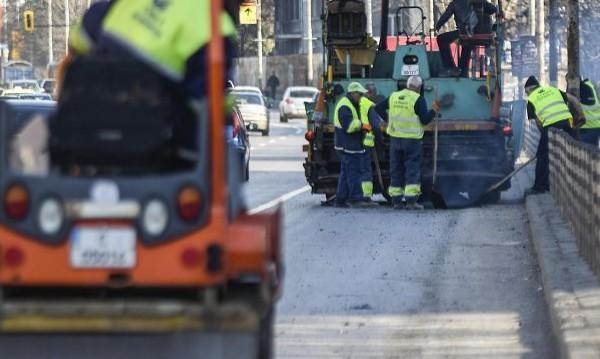 700 хил. квадрата дупки в градовете ще бъдат закърпени