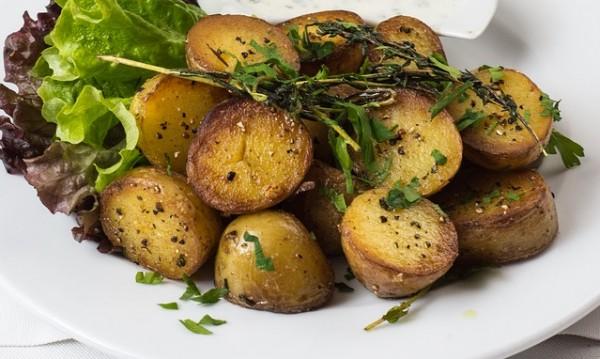 Рецептата Dnes: Картофи на скара с горчица и подправки
