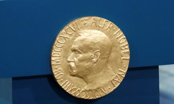 Без Нобелова награда за литература тази година