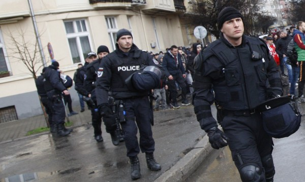 Цялата полиция в София на крак: Въоръжени охраняват парада