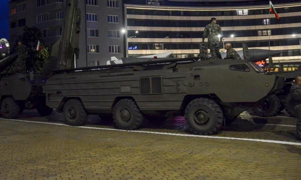 Каракачанов убеден: Армията ни не е само за паради