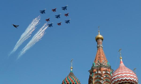 Танкове, гаубици, самолети... Москва готви грандиозен спектакъл