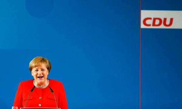 Меркел първа при Путин, отива в Сочи на 18 май
