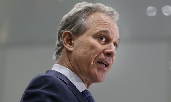 Главният прокурор на Ню Йорк: Вместо да обвинява – обвинен!