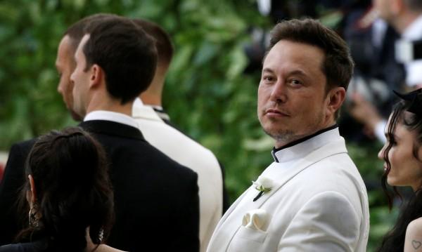 Мъск e похарчил още $10 млн. за акции на Tesla