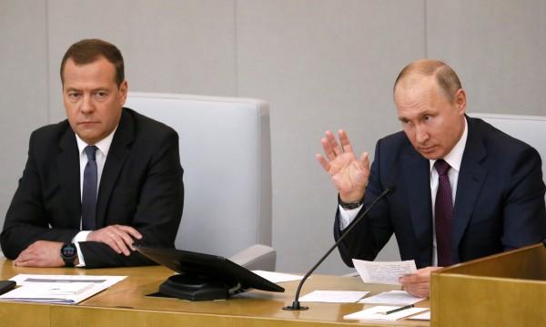 Одобрено! Медведев пак ще е руски премиер