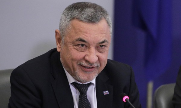 БСП ще подкрепи Симеонов срещу рекламата на хазарта