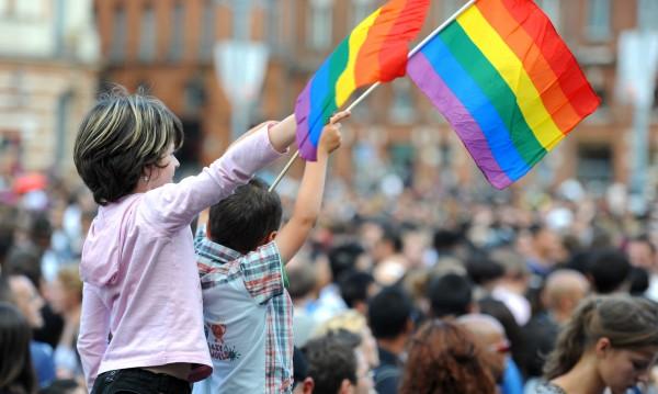 """Гърция """"За"""" отглеждането на деца от гей двойки"""