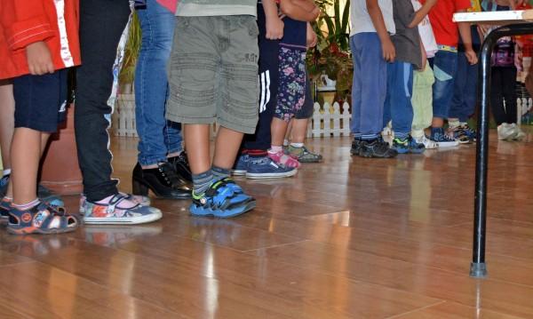 Български деца ще се осиновяват по нови правила