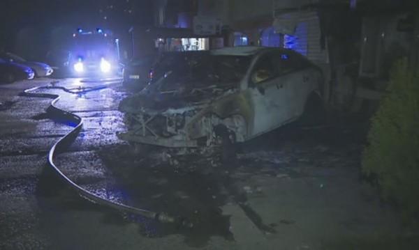 """Пожар в """"Младост"""": Пламнаха коли, евакуираха хора"""