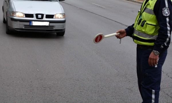Полицията ни спира, проверява... Но редовна ли е тя? Да видим!