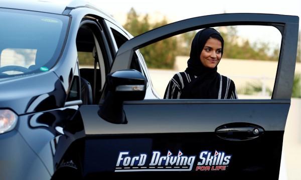 Табели и за двата пола по пътищата на Саудитска Арабия