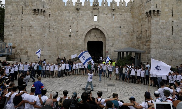 Израел празнува! Кани и други да местят посолства