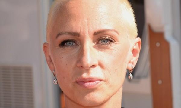Нана: Ракът се върна, отстраняват яйчниците ми!
