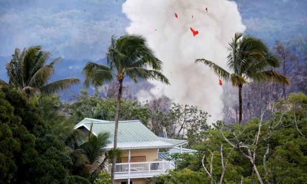 Хаваите в капана на Килауеа: Пепел на 3 700 метра!
